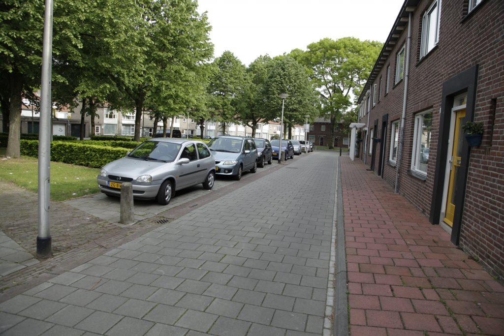 Auto's voor de deur