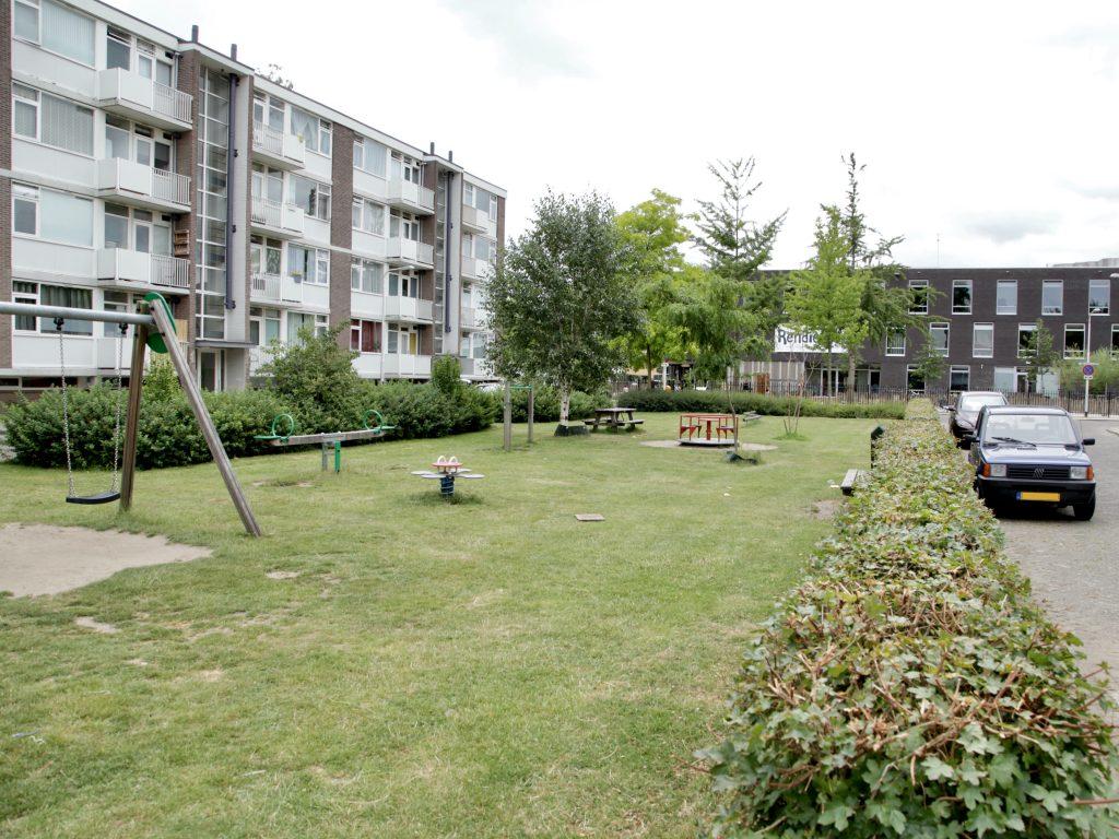 Foto van speeltuin langs Abdij van Rijnsburgplein