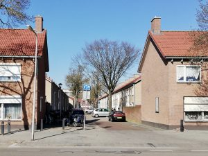 Foto van de inrit van de Piet van Haarenstraat